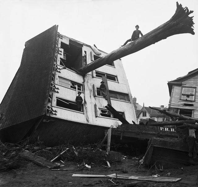 1889. Johnstown, Pennsylvania. Hatalmas vihar után..jpg