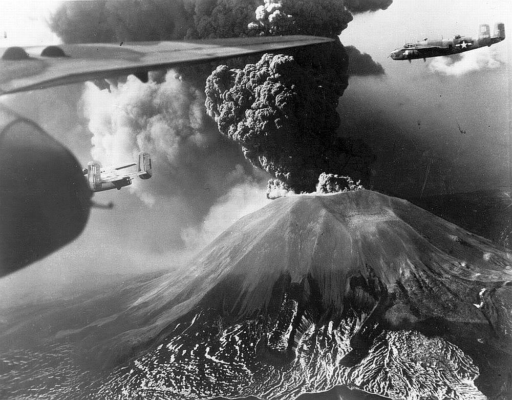 B-25s-Vesuv[1].jpg