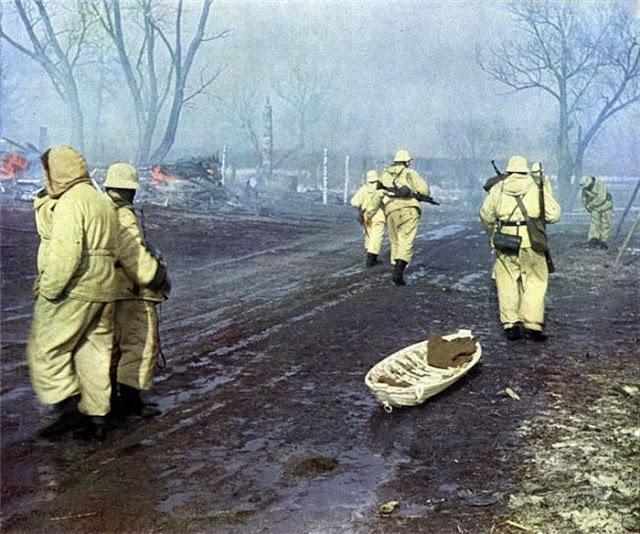 World War II Photos in Color (25).jpg