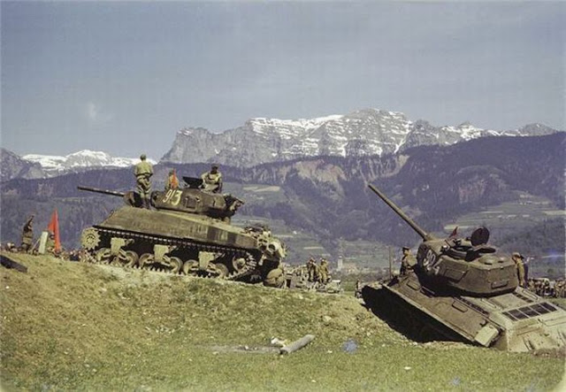 World War II Photos in Color (35).jpg