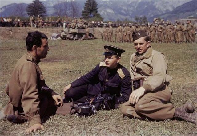 World War II Photos in Color (36).jpg