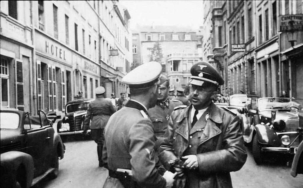 heinrich_himmler_luxemburgi_latogatasan_1940_julius_cr.jpg