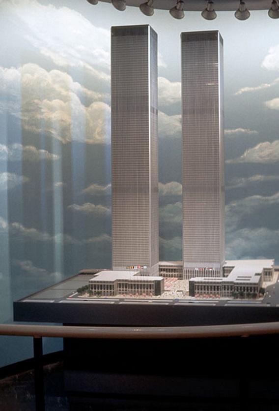 Az akkor még csak tervezőasztalon létező WTC, a Heliportban kiállítva