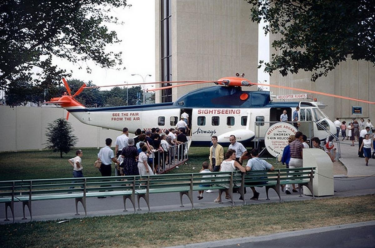 Látogatható Sikorsky légitaxi a Heliport mellett. 1965-re egy repülőgépre cserélték