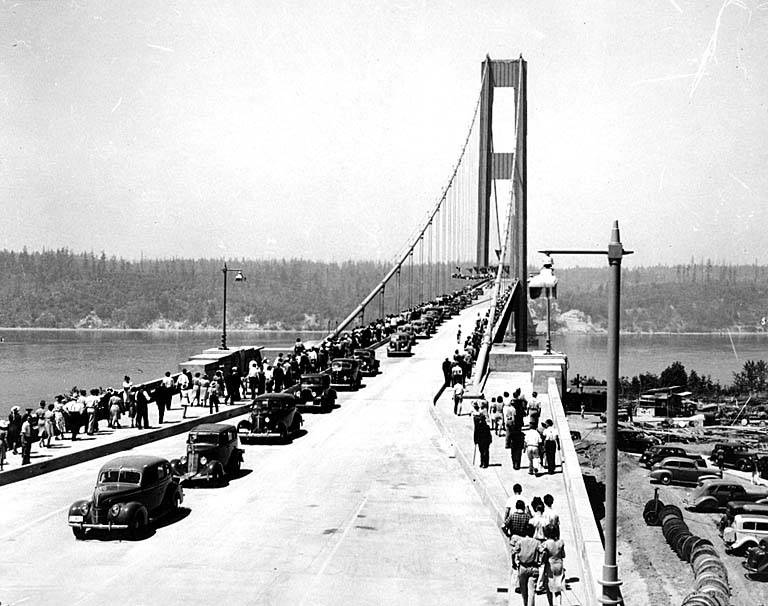 Opening_day_of_the_Tacoma_Narrows_Bridge,_Tacoma,_Washington.jpg