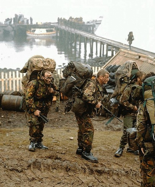 british-soldiers-in-the-falklands_-pinterest-1.jpg