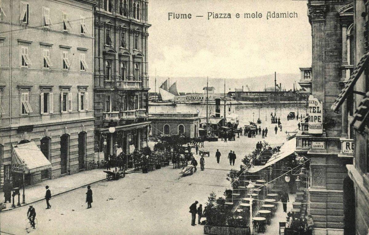 fiume_piazza_e_molo_adamich_1904.jpg