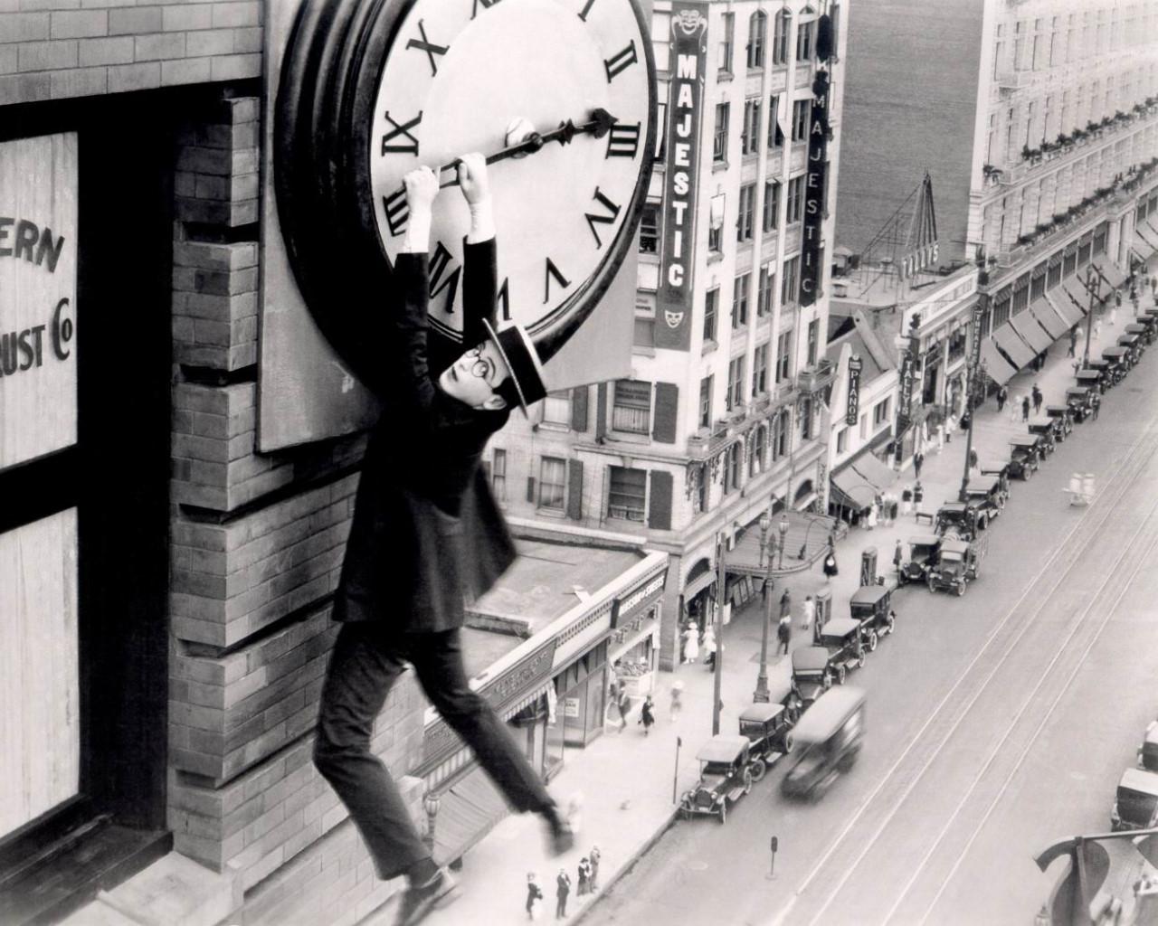 harold-lloyd-safety-last-clock1.jpg