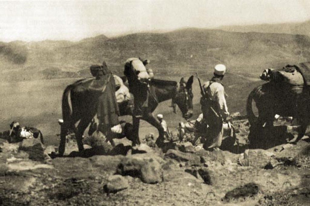 1935_legiosok_oszverekkel_a_marokkoi_hegyekben.jpg
