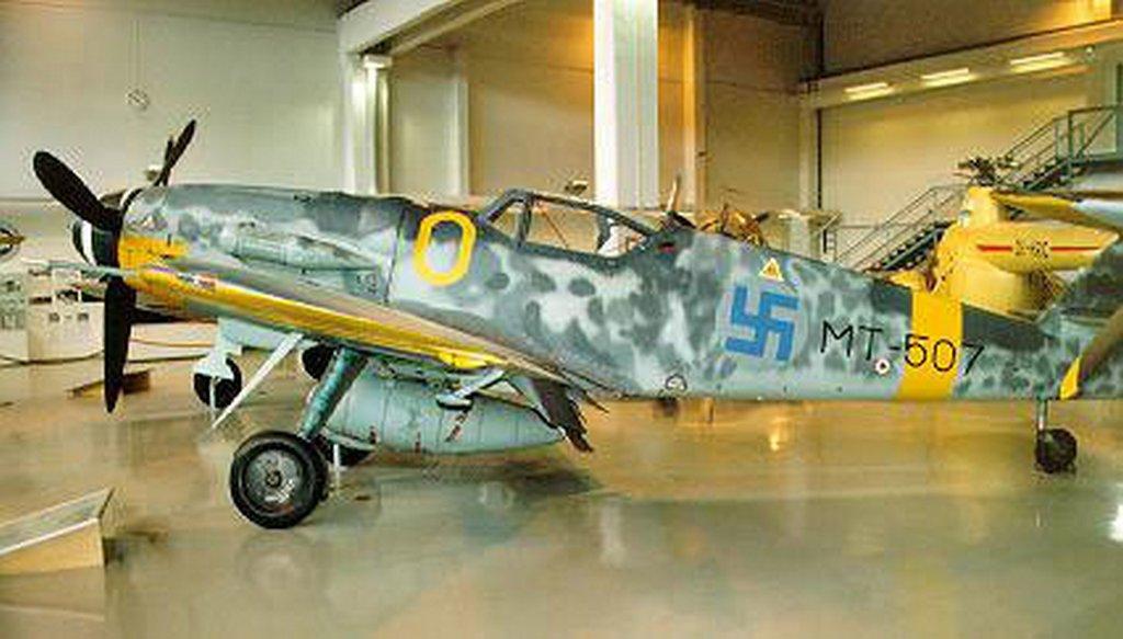 blue_swastika_on_finnish_airplanes-s427x243-100125-1020.jpg