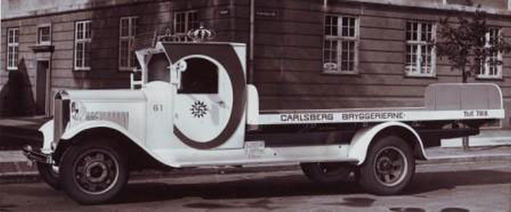 calsberg_delivery_truck-s448x186-100109-1020.jpg