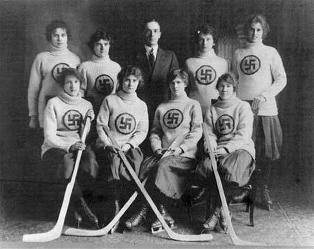 edmonton_swastikas_hockey_team-s451x358-100128-1020.jpg