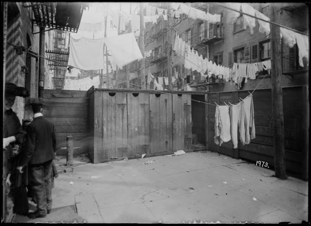 new-york-city-before-indoor-toilets-1.jpg