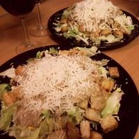 Sok nehéz édesség után: Egy nehéz saláta recept (Cézár-saláta)