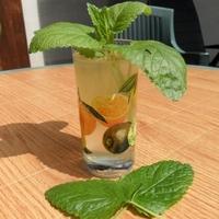 Menta-, citromfű- és gyömbérszörp