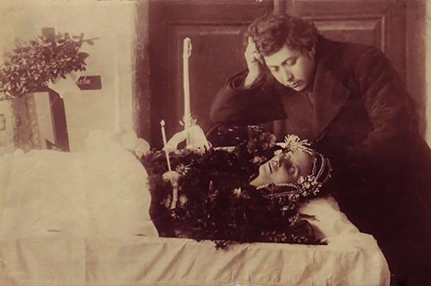 """A fényképészet történetének morbid emlékei: a """"post mortem"""" fotográfiák"""