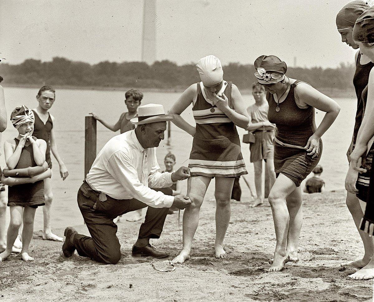 1920s_swimsuit_1.jpg
