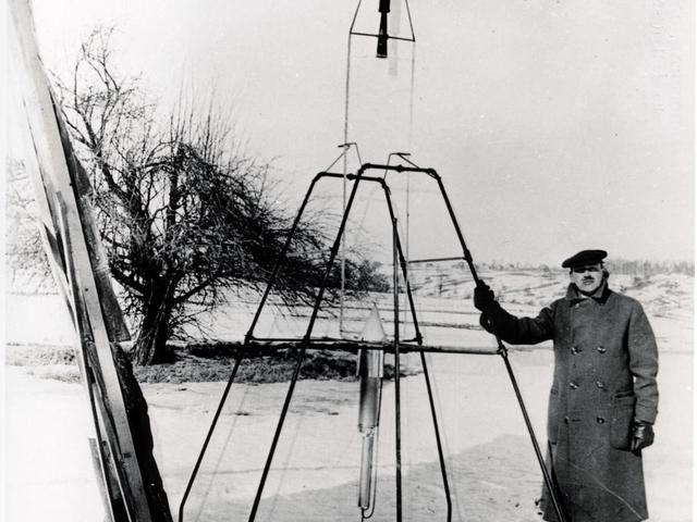 Robert Goddard és az első folyékony hajtóanyagú rakéta