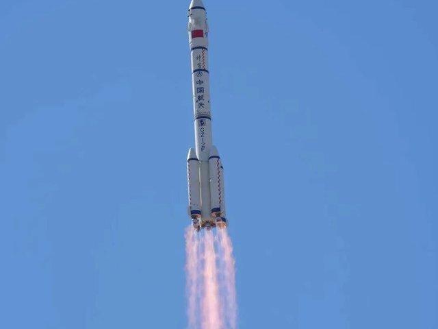 Első emberes küldetés a kínai űrállomásra