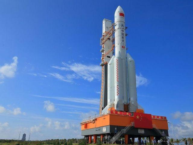 Hatalmas Kínai rakéta fokozat kontrollálatlan visszatérése várható a következő napokban.