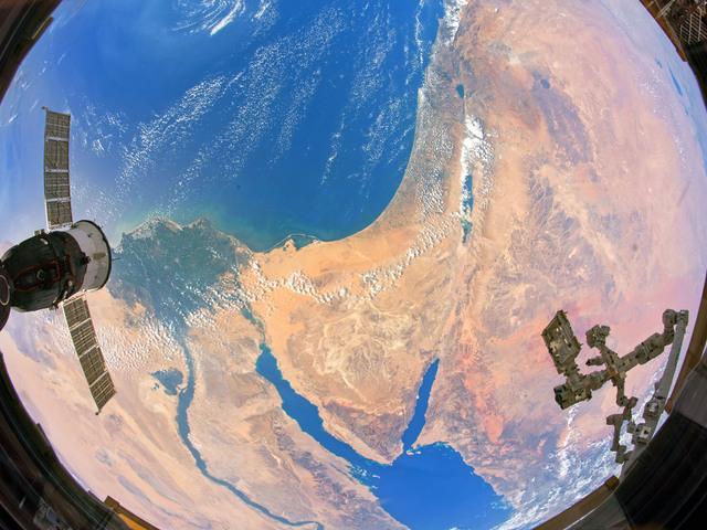 Lenyűgöző űrfelvételek a Föld napjára