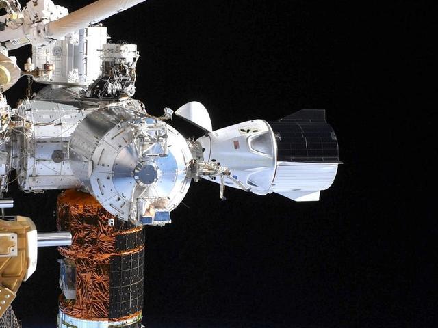 Tűzriasztást okozhatott a SpaceX Crew Dragon űrhajó a Nemzetközi Űrállomáson