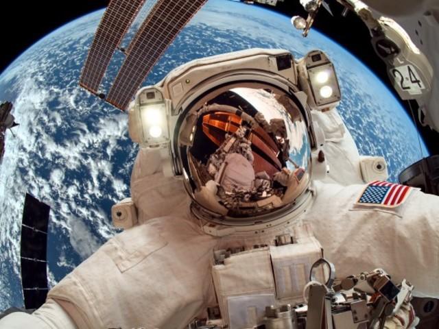 Tényleg csak négy szett űrruhája maradt a NASA-nak?