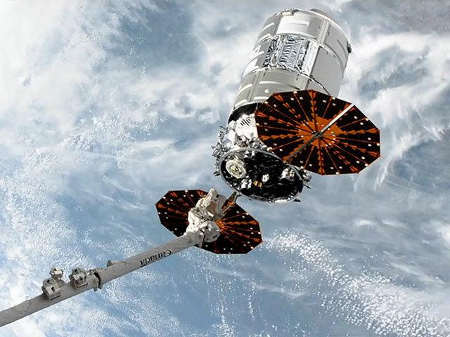 Távozott a Cygnus, érkezik a Progress
