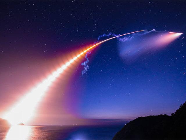 Rakéták okozta lenyűgöző légköri jelenségek.