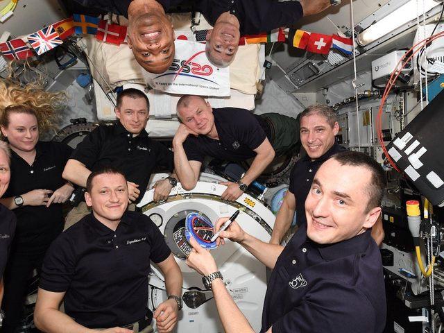 Hogyan zajlik a legénység váltás az űrállomáson, és hol alszanak olyankor az űrhajósok.