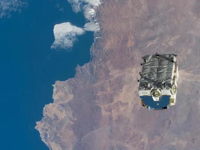 A Nemzetközi Űrállomás 2.9 tonnányi akkumulátortól szabadult meg