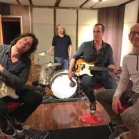Már nem Chester Bennington a Stone Temple Pilots énekese