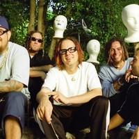 Hét plusz egy dalt szedett elő a Korn a Follow The Leader húsz éves turnéján