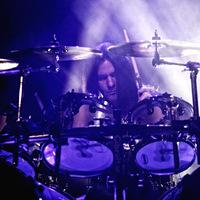 Shawn Drover dobos kilépett a Megadethből