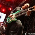 Desolate July - A néhai Adrenaline Mob basszusgitárosra emlékezik a Sons Of Apollo