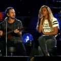 Így énekel duettet Eddie Vedder és Beyoncé