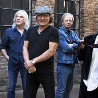 Egy kis bulvár: Az AC/DC, vagy az Aerosmith nyomatja majd Sergio Ramos lagzijában?