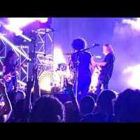 Rajongó dobolt az Alice In Chains-koncertjén