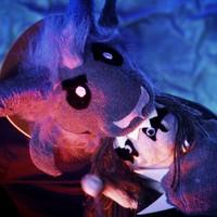 Zoknis Dimmu-paródiában Phil Anselmo a Krampusz
