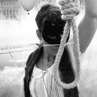 Fekete hattyú a nehézvízen - Az első számok az új Monarch lemezről