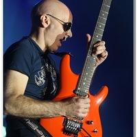 Amit a gitározásról tudni kell ...: Joe Satriani @ Budapest Sportaréna, 2010.11.08.