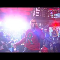 Henry Rollins karácsonyi dalt énekelt Stephen Colberttel