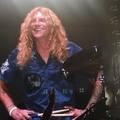 A dal, amikor Steven Adler újra a Guns N' Roses-zal tolta