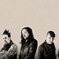 Újabb évet tolódik a Korn koncertje