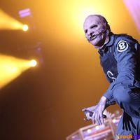 A kidobósdi folytatódik: ezúttal a Slipknot bulijáról kísértek ki egy rajongót