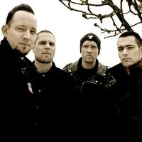 Árokban a Volbeat technikusai