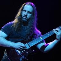 Mi nem érezzük úgy, hogy szükségünk lenne egy hosszabb szünetre: Interjú John Petruccival a Dream Theater gitárosával
