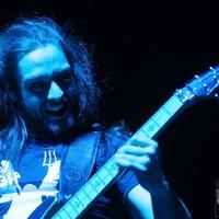 A Leander Rising gitárosa az Éjjel-Nappal Budapestben