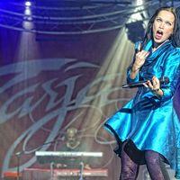 Megbabonázta a közönséget Tarja Turunen: FEZEN Fesztivál, 1. nap, 2014.07.31.