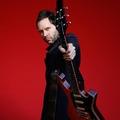 Paul Gilbert bemutatja új albumán az elektromos gitárt